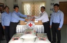 ក្រុមហ៊ុននាវា Maersk (Cambodia) Ltd បានឧបត្ថមអង្ករចំនួន ៥០០ គីឡូក្រាម និងក្រមាចំនួន ១០០